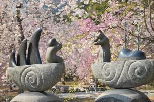 20140410 桜吹雪に包まれる遊歩道 (5)