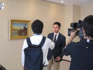 20140902NHKのニュースに栖鳳の油絵が取り上げられました! (2)