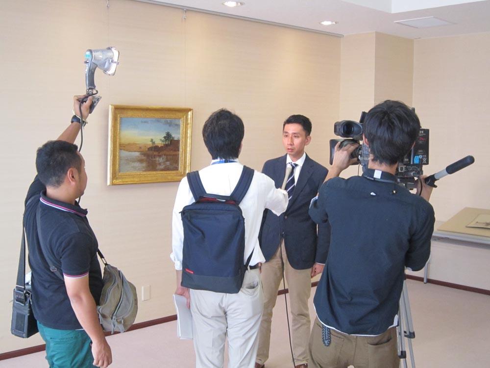 20140902NHKのニュースに栖鳳の油絵が取り上げられました! (3)