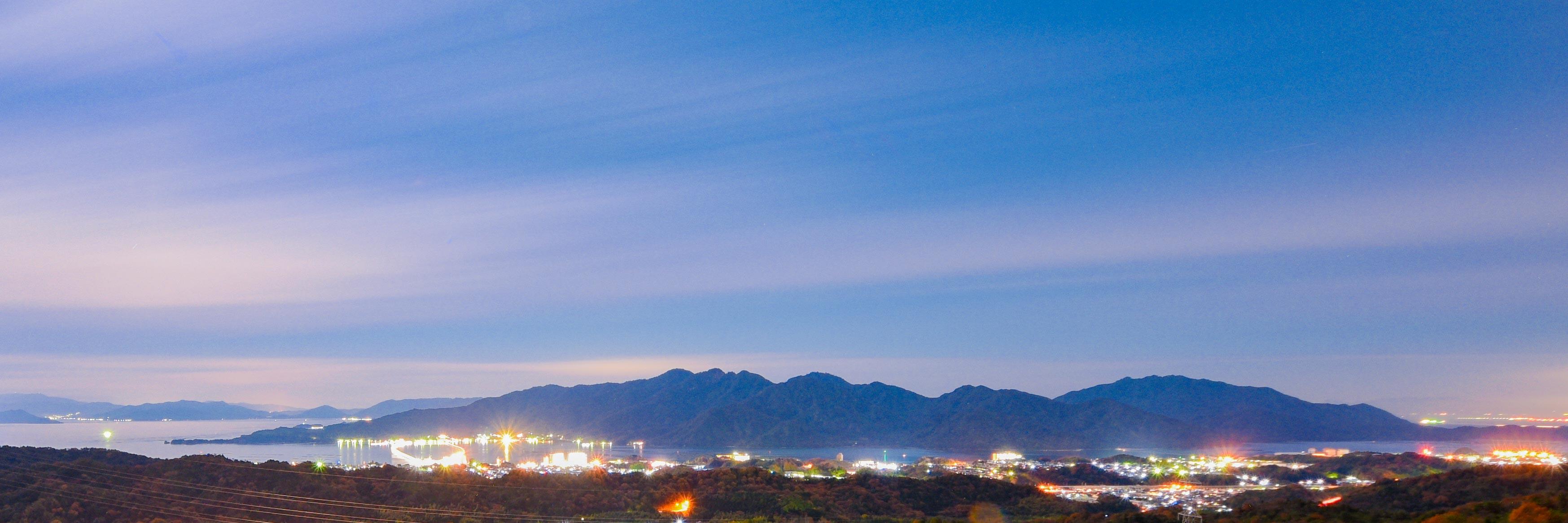 20171205月光に浮かぶ宮島(夜)